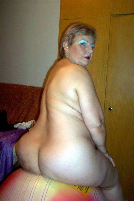 Einsame BBW Oma sucht Sexkontakte
